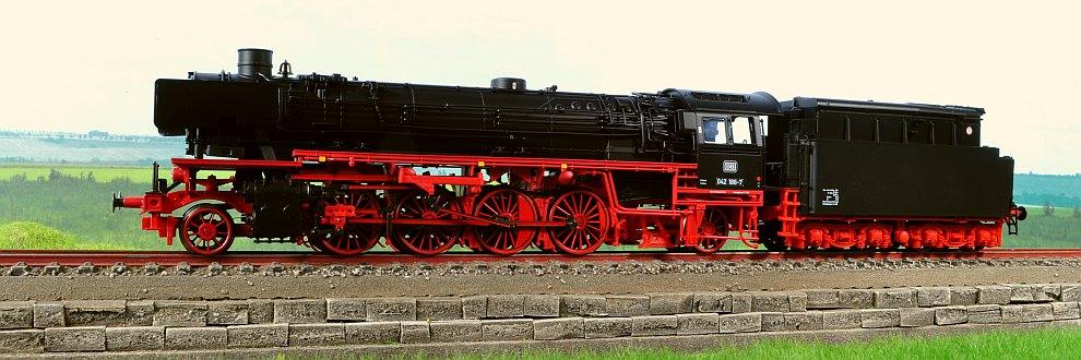 Miniatura locomotiva cu aburi