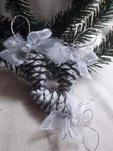 Ornamente brad Craciun