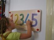 Panou perete cifre din lemn