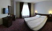 Cazare hotel camera tripla