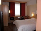 Cazare hotel camera pentru persoane cu handicap locomotor