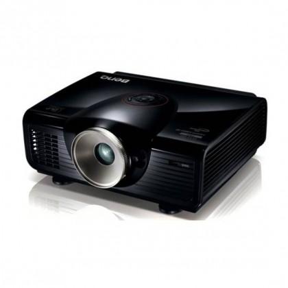 Inchiriere videoproiector Full HD/4500 lm