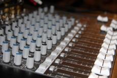 Inchiriere sisteme audio conferinte