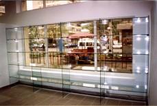 Mobilier comercial sticla