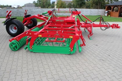 Compactor rabatabil - purtat/tractat - Agro-Tom model UPH