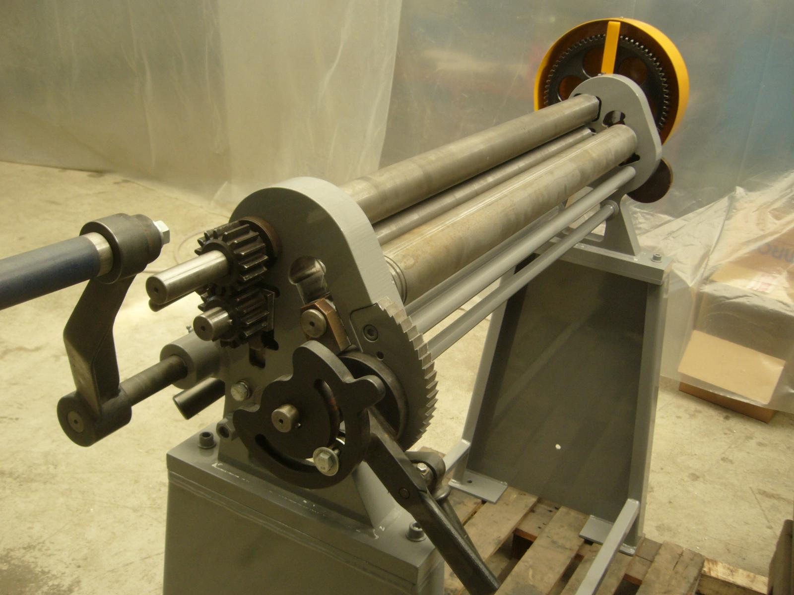 Masina de roluit tabla