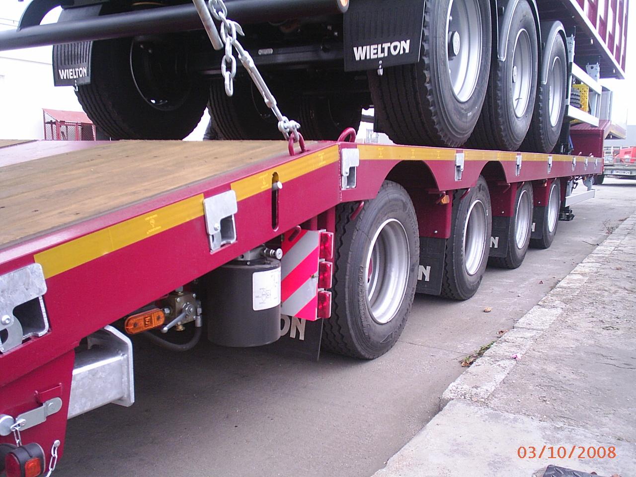 Semiremorci transport utilaje