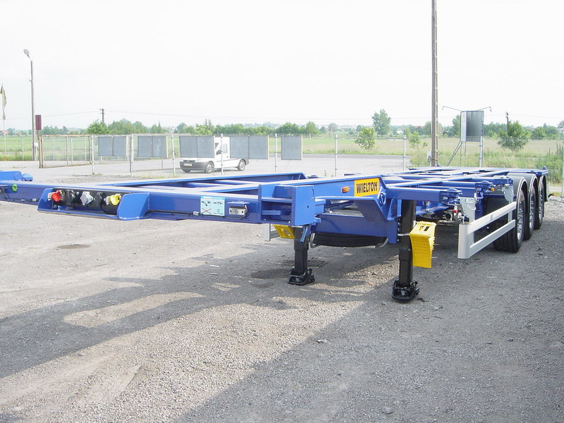 Semiremorci transport containere