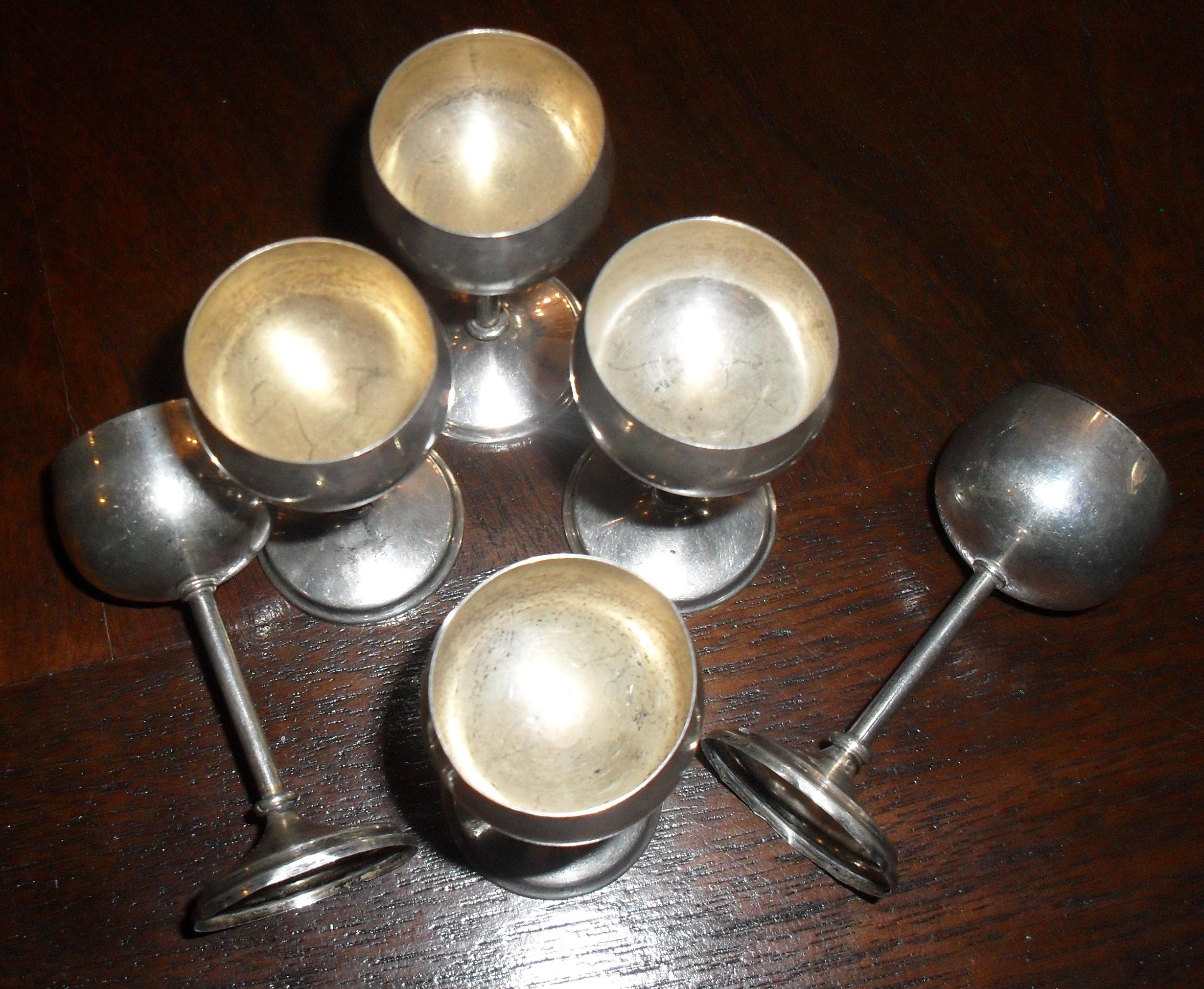 Set paharele mici, cu picior-argint