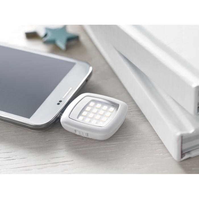 Lanternă cu LED pentru smartph