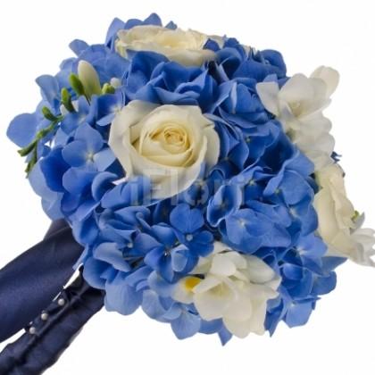 Buchet cununie cu hortensii albastre