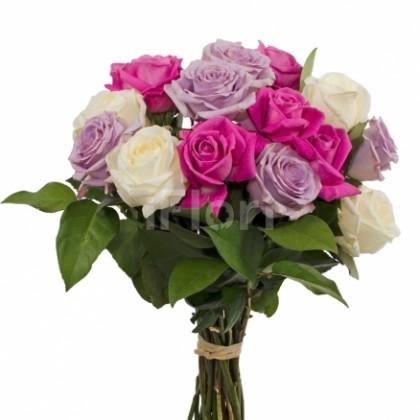 Buchet trandafiri albi-ciclam-mov