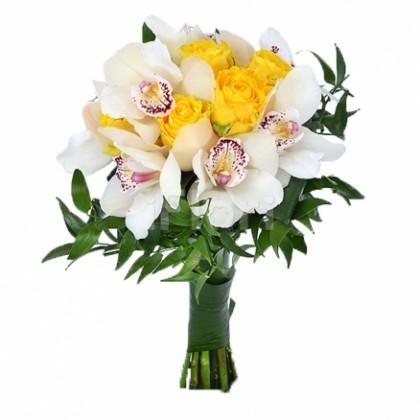 Buchet trandafiri galbeni cu orhidee
