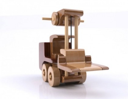 Motostivuitor din lemn