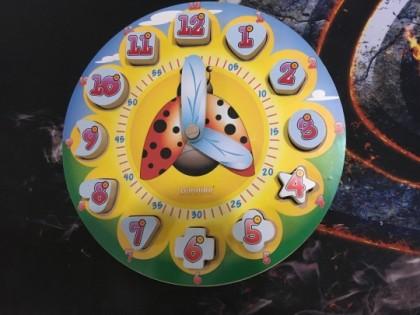 Ceas din lemn cu numere 3D pentru copii