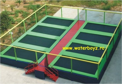 Trambulina elastica 8 locuri – 10,4x10x2,3m