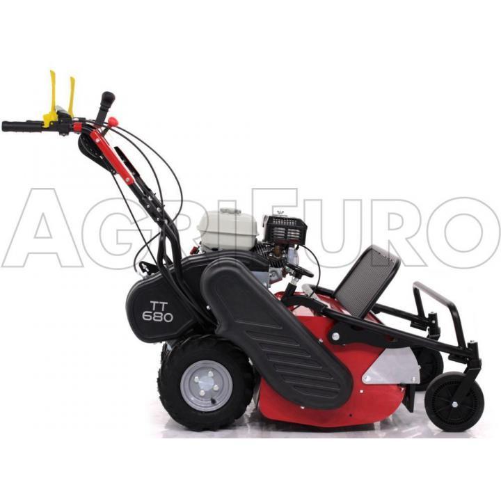 Tocator de vegetatie autopropulsat TT 680