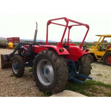 Tractor Universal 640 DTC cu incarcator