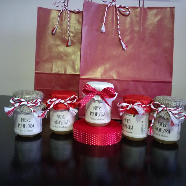 Martisor handmade borcan miere de albine