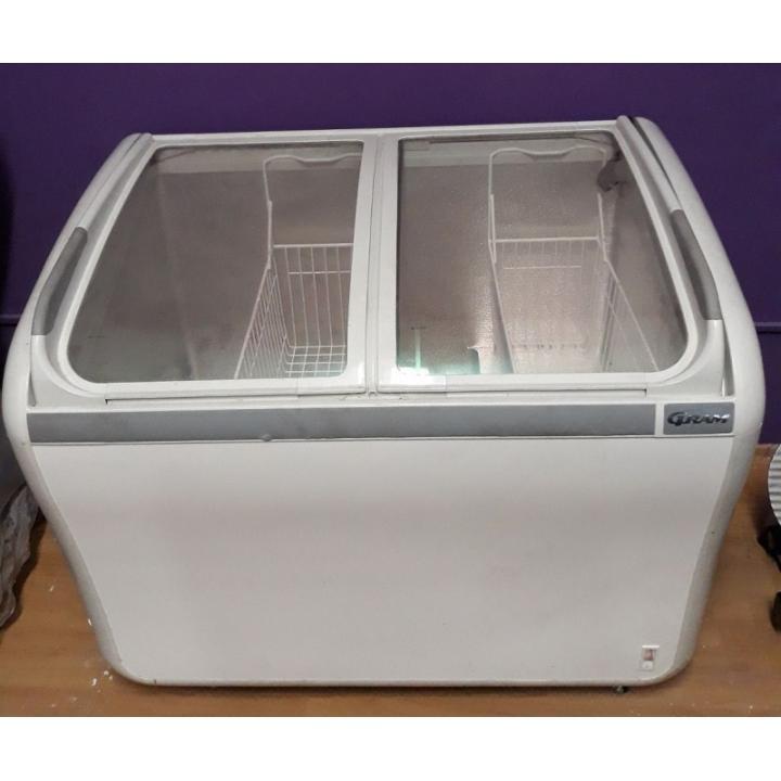 Lada frigorifica cu geamuri 200 litri Gram