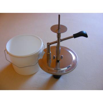 Dispozitiv pentru injectat cornuri si gogosi