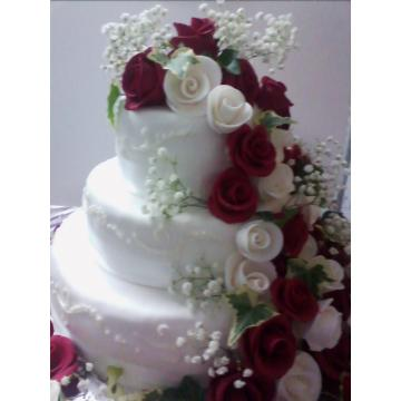 Tort nunta martipan cu trandafiri
