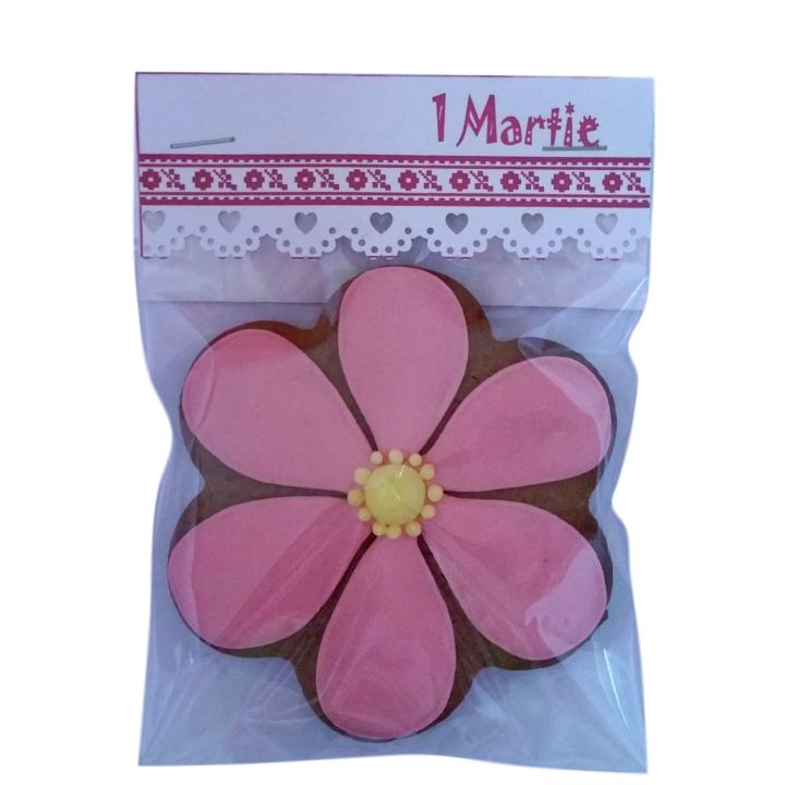 Martisor floare royal icing