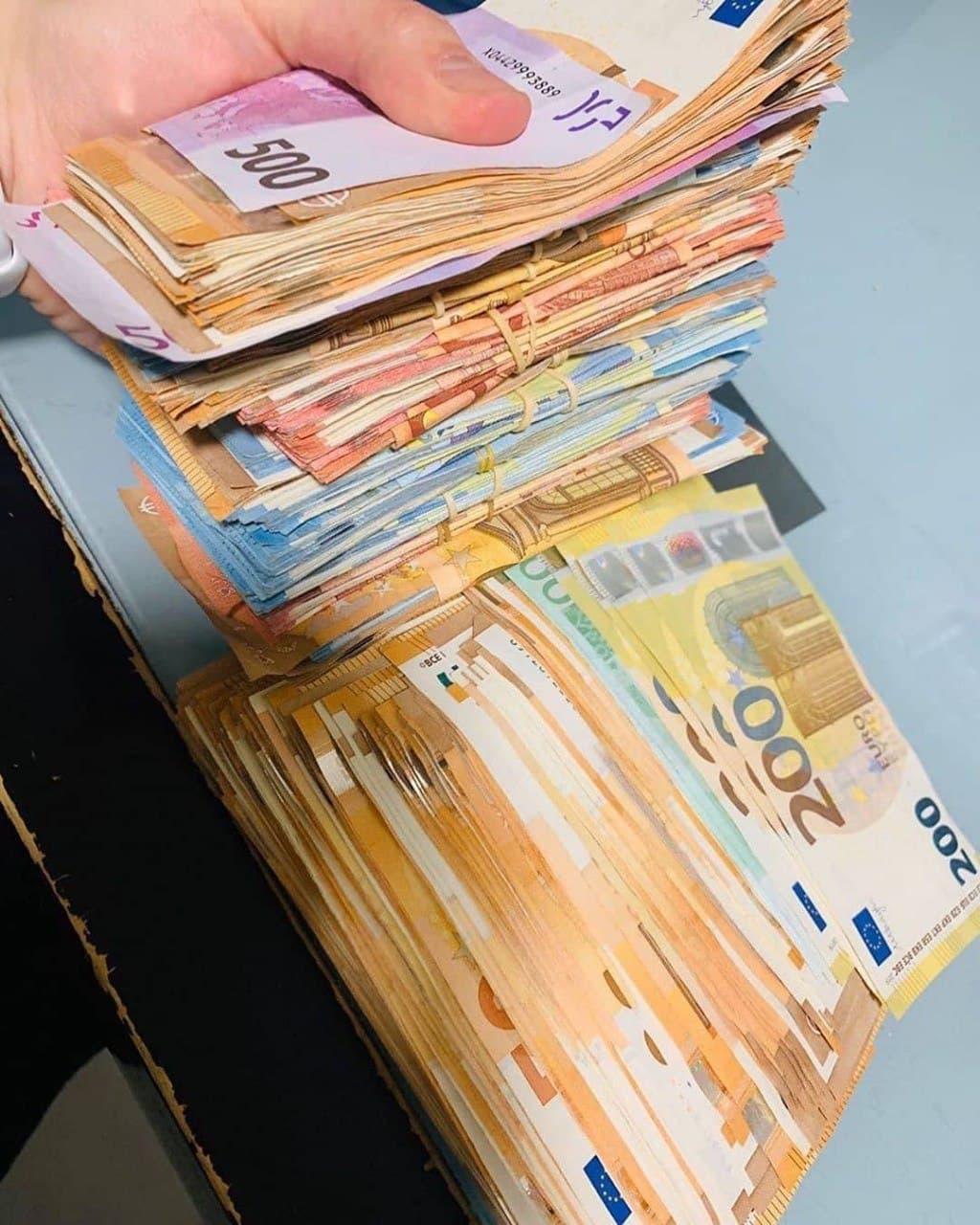 Whatsapp: +16465806302) Compre euros, libras, dólares falsificados 100% indetectables a la venta.