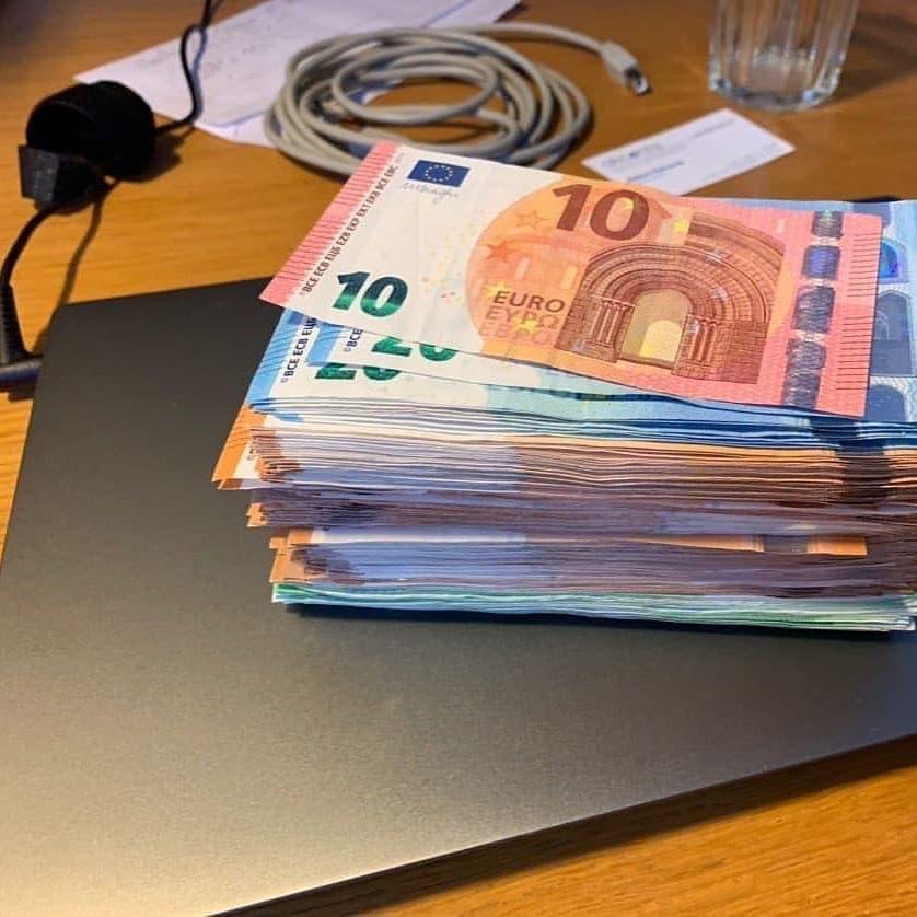 Whatsapp: +16465806302) Acquista euro, sterline, dollari