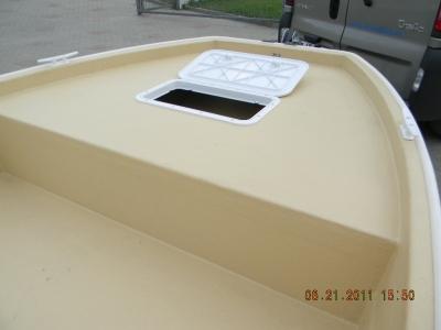 Barca base boat