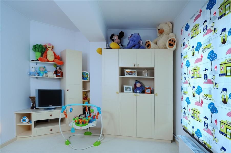 Mobila camera tineret Craiova