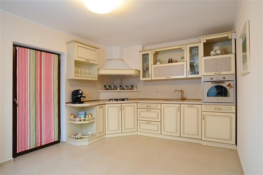 Mobilier residential pentru bucatarii