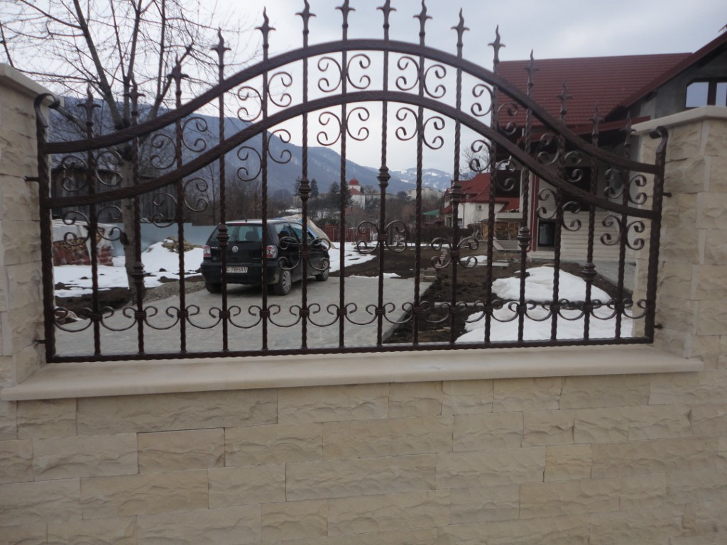 Gard fier forjat Comanesti